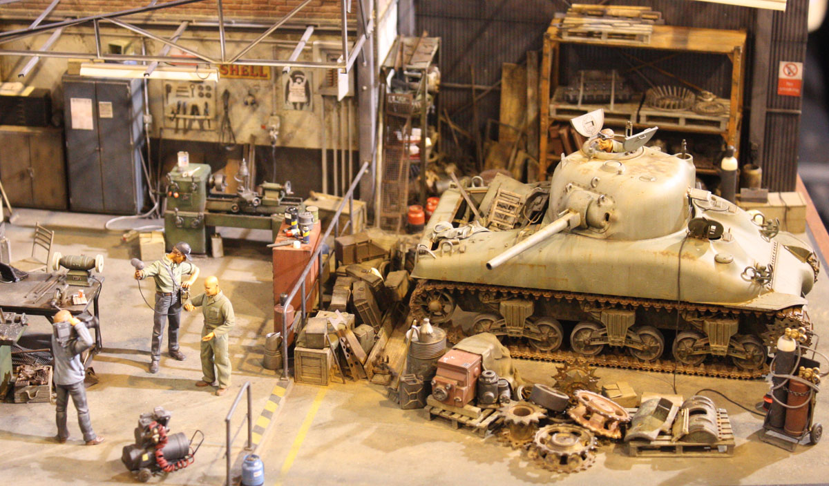 Spencer Pollard's Tank Workshop Diorama (Size: Large