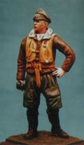 DMM 1/32 WWII Luftwaffe Pilot in Flying Uniform
